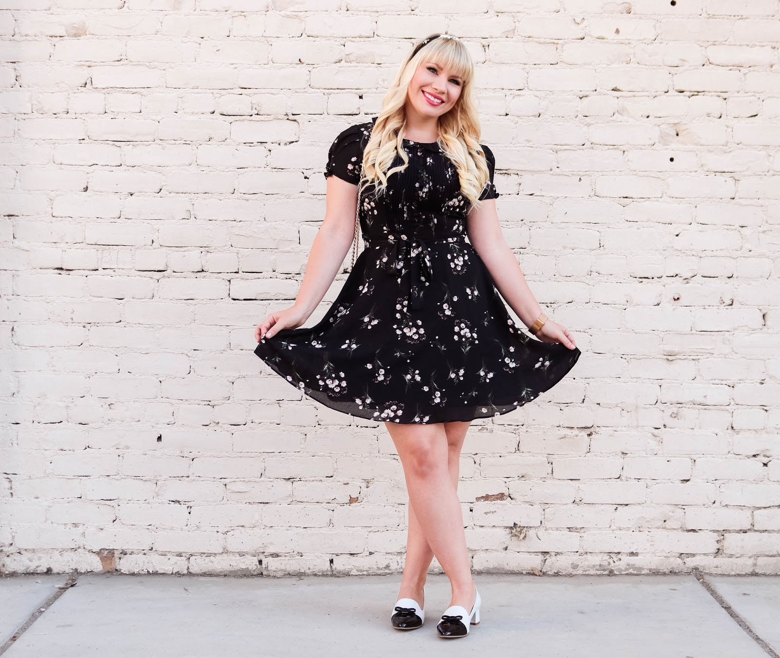 Chicwish Review by popular California style blogger Lizzie in Lace