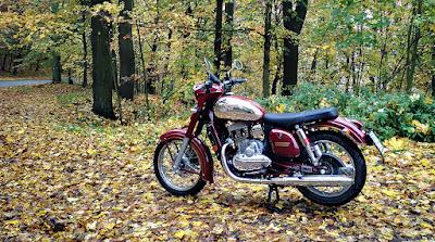 Jawa 300 CL autumn