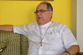 Suplantan funciones de los miembros del clero de la iglesia católica