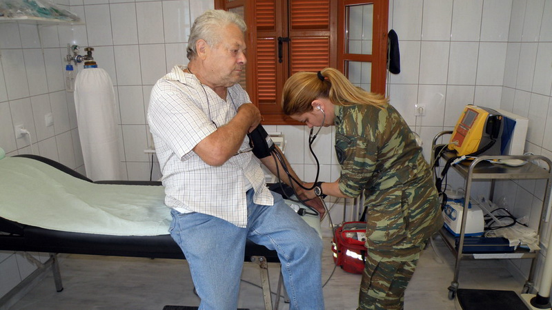 Στρατιωτικό ιατρικό κλιμάκιο στο Δορίσκο
