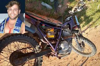 http://vnoticia.com.br/noticia/3467-jovem-morre-apos-moto-colidir-com-poste-em-atafona