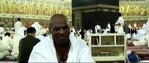 Posting Video Umat Muslim di Ka'bah, Mike Tyson: Mashaallah