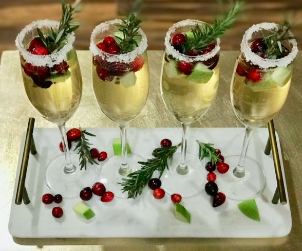 Christmas Sangria Holiday Cocktail #drink #cocktail #sangria #holiday #party