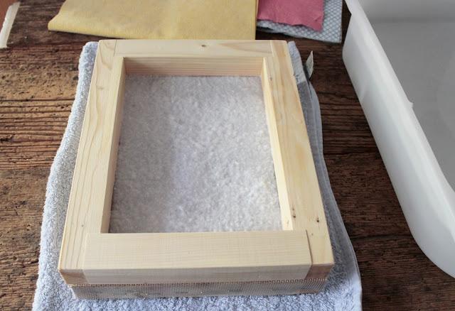 come-fare-fogli-carta-riciclata-stampaggio