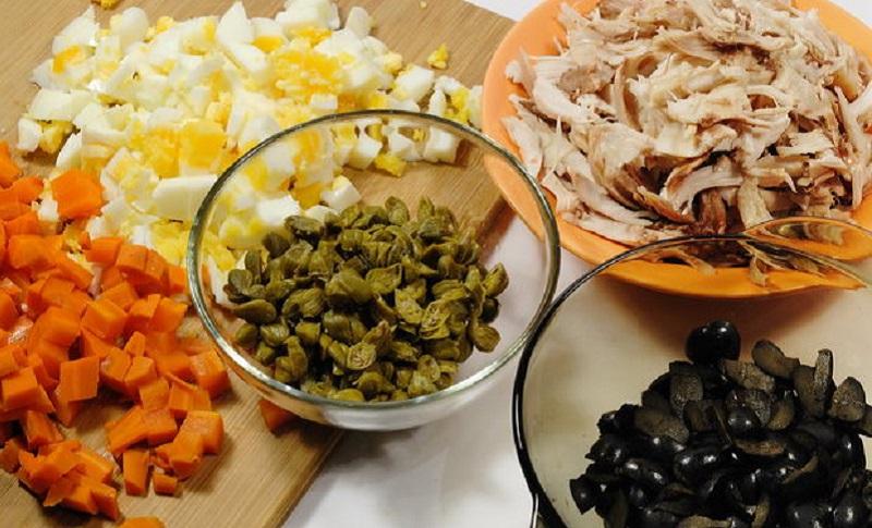 Осторожно — 5 ошибок при приготовлении оливье! Лучшие шеф-повара делятся опытом.