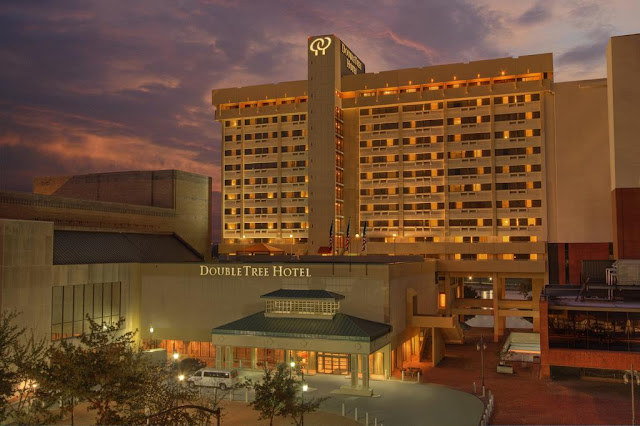 Situated in the heart of downtown Little Rock on the banks of the Arkansas River, DoubleTree by Hilton Hotel Little Rock offers the best in southern hospitality.