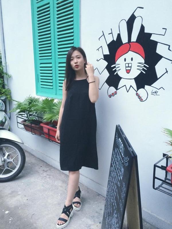 Xem mỹ nữ việt chọn giày Sneaker đế cao bắt cặp hoàn hảo cùng váy h3è