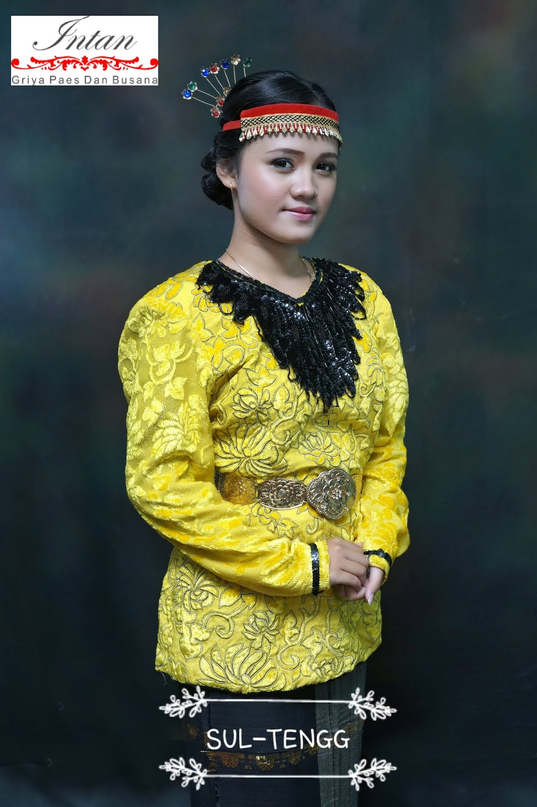 Pakaian Adat Sulawesi Timur