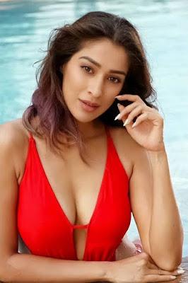 raai laxmi sex with M.S. dhoni