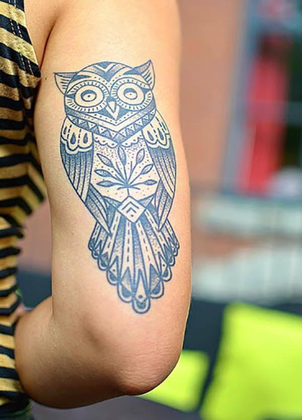 kol arkası baykuş dövmesi