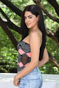 sakshi chowdary at selfie raja event-thumbnail-1