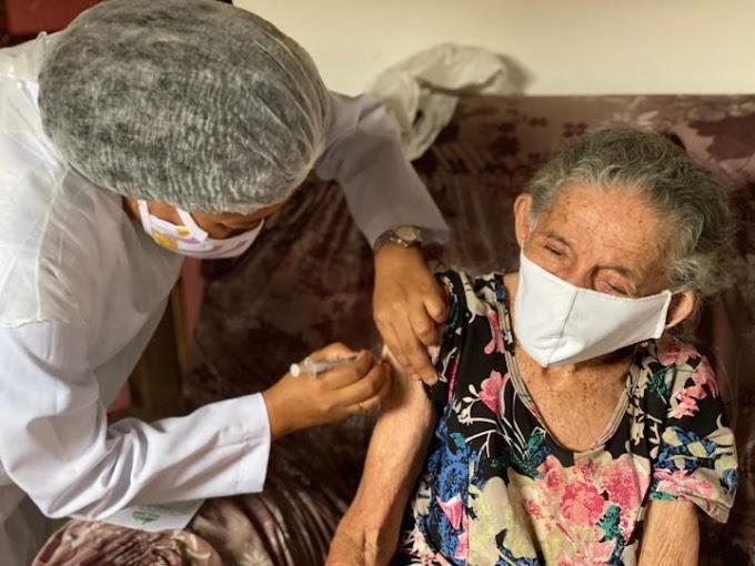 Início à vacinação ao grupo de idosos com idade a partir dos 90 anos.