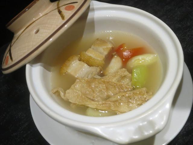 鲜茄芥菜烧肉煲