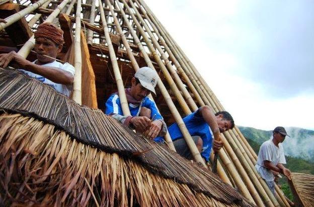 pembangunan rumah adat mbaru niang