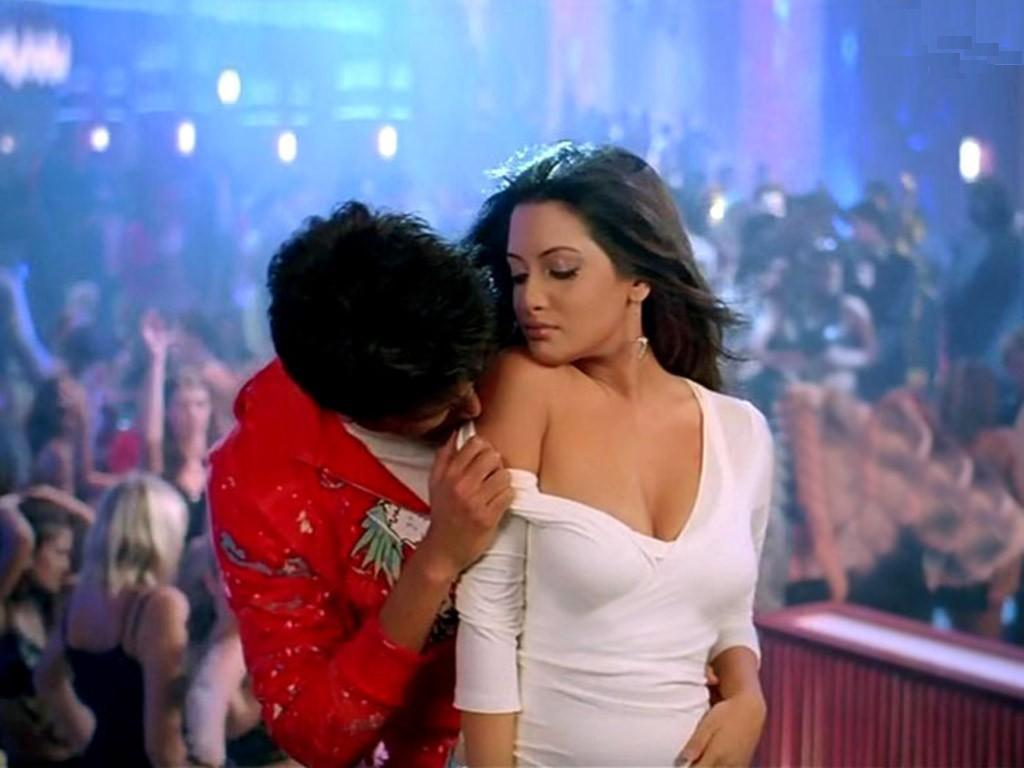 Riya Sen Sexy Nude Photos