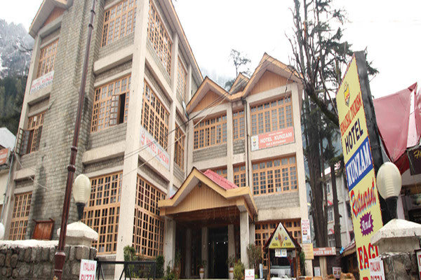 Mall Road hotels in Manali