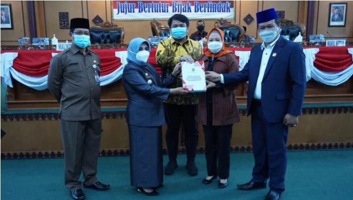 Ketua DPRD Kota Tanjungpinang Pimpin Rapat Paripurna Terkait LKPj Walikota Tanjungpinang TA 2020
