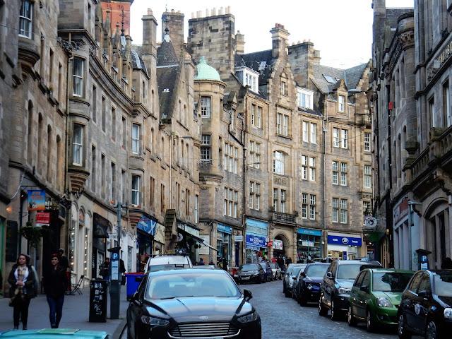Victoria Street, Edimburgo, Escocia, Scotland,  Elisa N, Blog de Viajes, Lifestyle, Travel