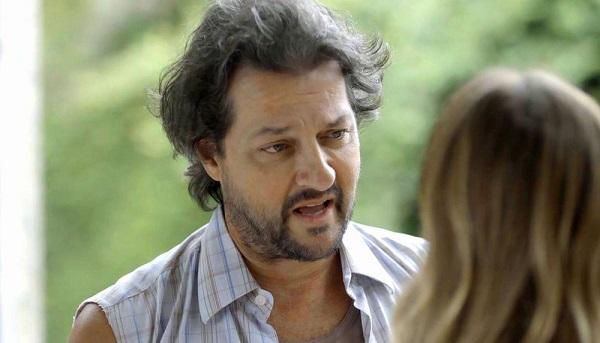 Nicolau debocha de Machado e Afrodite chama a atenção do marido (Imagem: Reprodução/TV Globo)