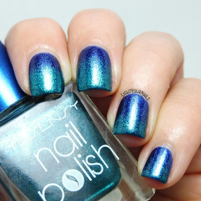 Blue and teal metallic gradient #nailart #lightyournails