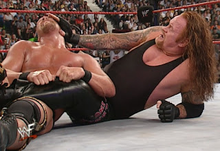WWE / WWF Judgement Day 2001 - Steve Austin defended the WWF Championship against The Undertaker