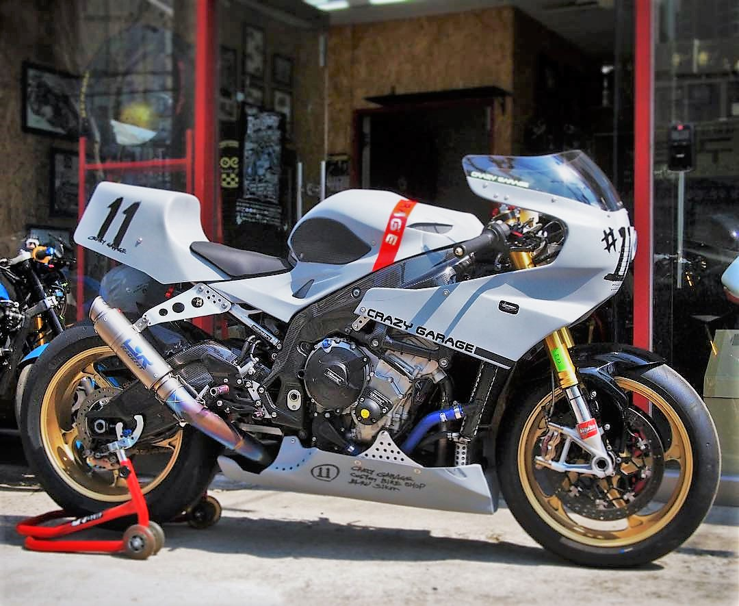 BMW S1000RR 2019 - Page 4 Crazy_garage_53023985_2044368975684572_8063811168203269450_n