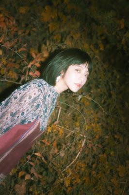yakni penyanyi dan penulis lagu asal Korea Selatan yang sekarang bernaung dibawah label  Profil, Fakta Juniel