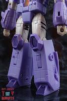 Transformers Kingdom Cyclonus 08