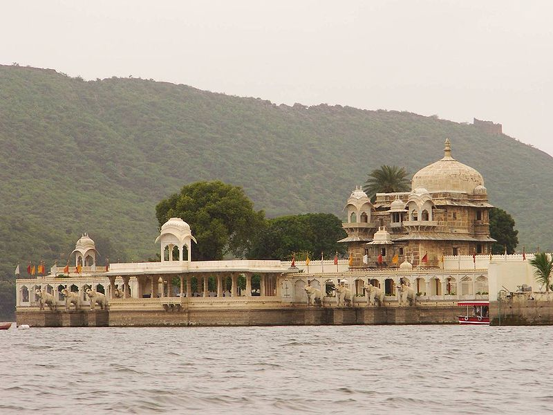 JagMandir-Lake-Garden-Palace-best-tourist-place-in-udaipur