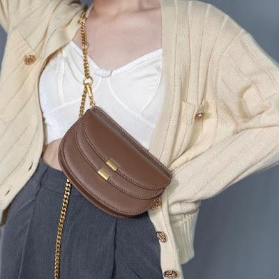 https://baginning.com/p/brown-chic-fanny-pack-fashion-women-s-belt-bags-crossbody-chain-bags.html