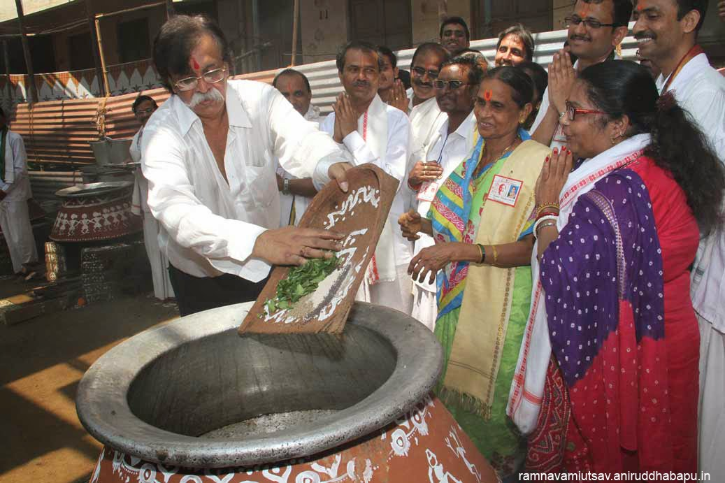 Aniruddha bapu-Handi Prasad