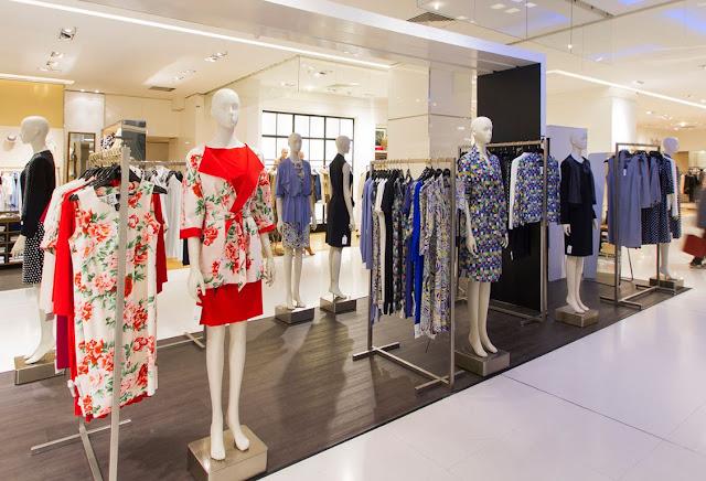 Comprar roupas nas lojas de departamento como a Galeries Lafayette