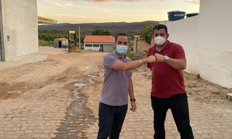 Prefeito Phellipe Brito anuncia pavimentação asfáltica em povoados de Ituaçu