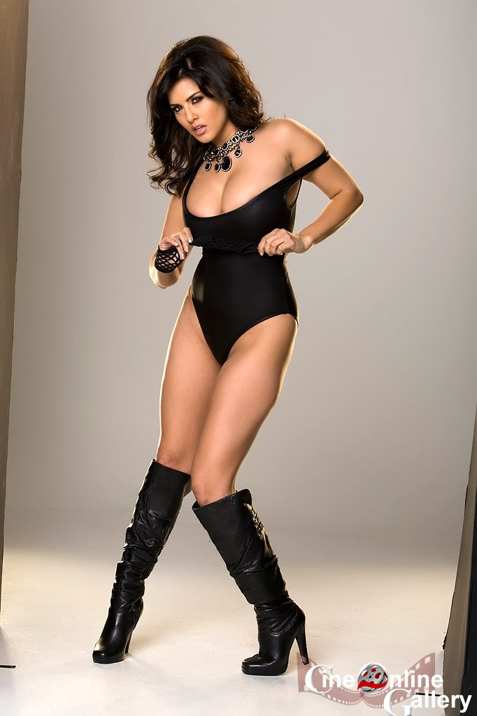 Sunny Leone Hot Sexy Beautiful Black Exposing Bodysuit And Leather Boot Photoshoot Pictuers -8280