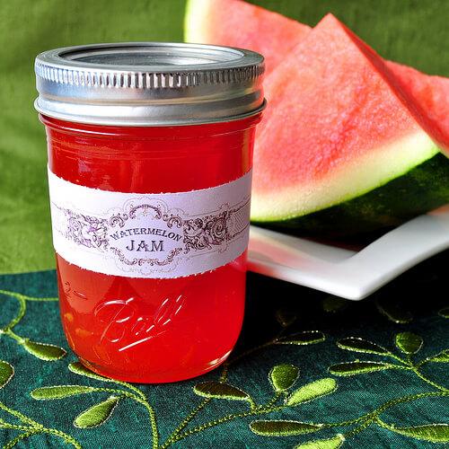 مربي البطيخ الأحمر اللذيذة