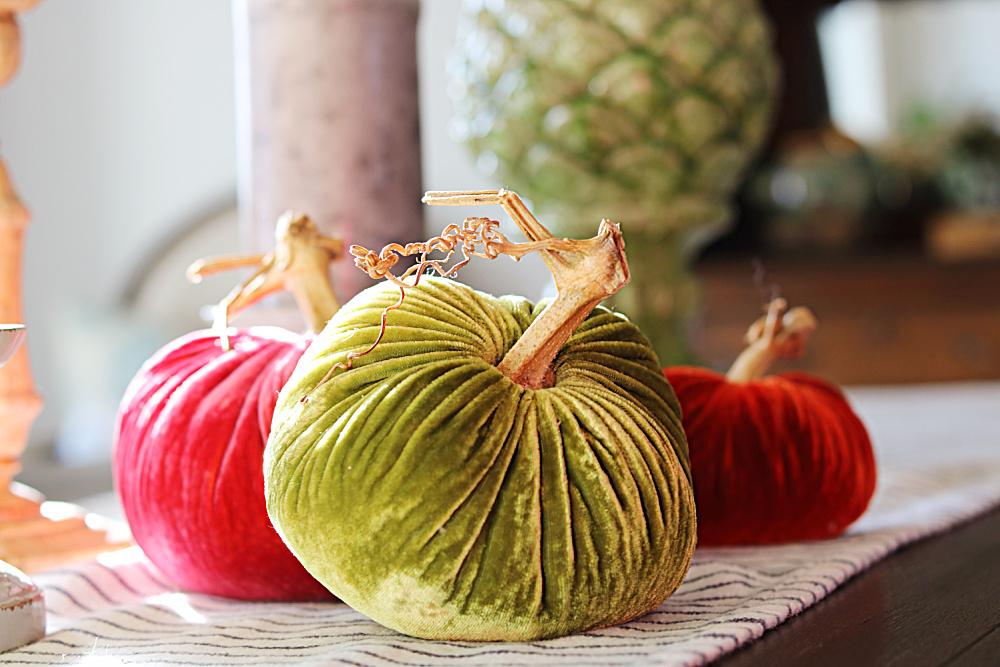 pumpkins-harvest-tree-fall-velvet-decor-decorating-athomewithjemma
