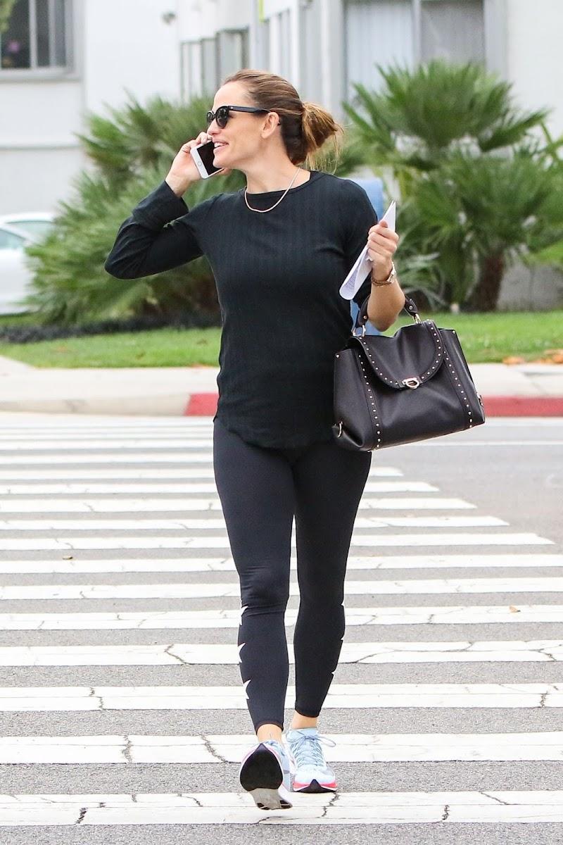 Jennifer Garner Spotted  Outside in Los Angeles 12 Jul -2020