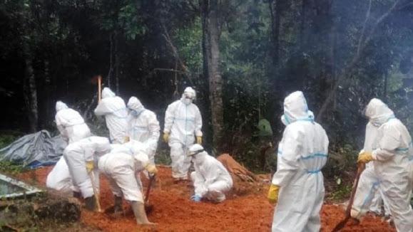Jenazah mantan Wakil Bupati Tapsel Aswin Efendi sudah dimakamkan pagi ini secara protokol kesehatan