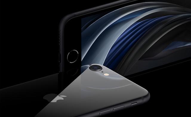 آبل تكشف عن iPhone SE الجديد بسعر 399 دولارًا