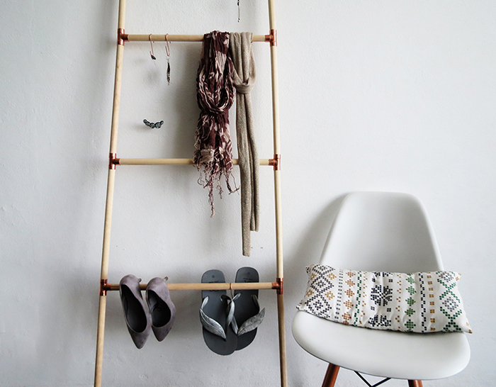 Diy Wooden And Copper Blanket Ladder Ohoh Blog