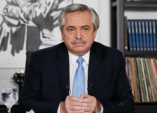 Presidente da Argentina diz que 'brasileiros vieram da selva, argentinos da Europa'