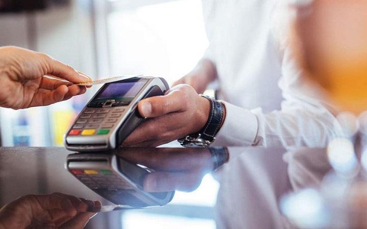 Αλλάζουν από το Σάββατο οι συναλλαγές με κάρτες πληρωμών