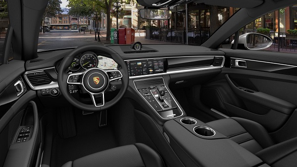 Interior Porsche Panamera 4 E-Hybrid
