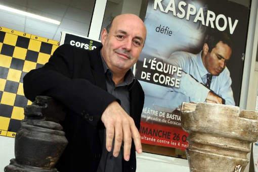 Stratégie et tactique : Léo Battesti parle du jeu d'échecs et de politique corse