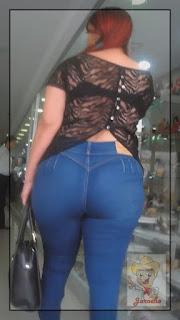 Mujeres caderona piernudas jeans bolsas apretados