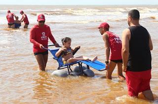 http://vnoticia.com.br/noticia/4275-cadeiras-anfibias-garantem-acessibilidade-nas-praias-de-sao-francisco