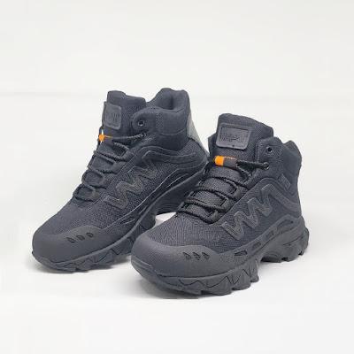 Sepatu Magnum SCG Hitam 6 inci