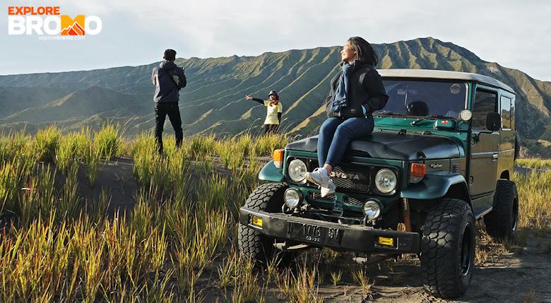 gunung bromo yang hijau, sudah dibuka kembali untuk para pelancong