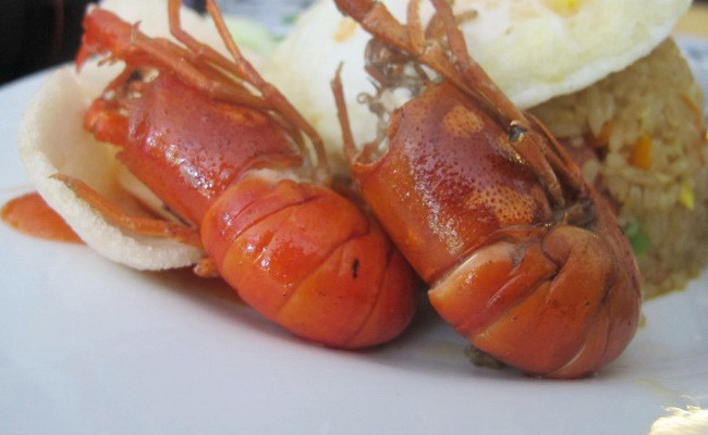 Xvlvor Udang Selingkuh dish is river lobster cuisine by Papuans in Baliem Valley