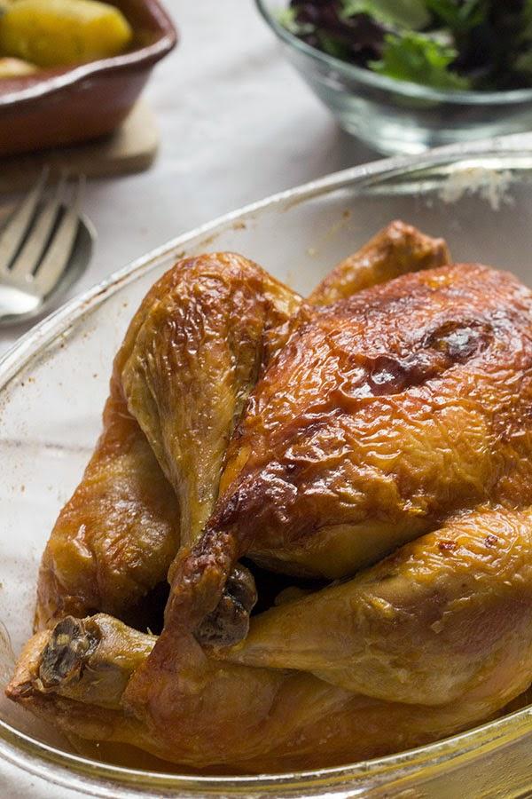 Cómo asar un pollo. Pollo asado delicioso!